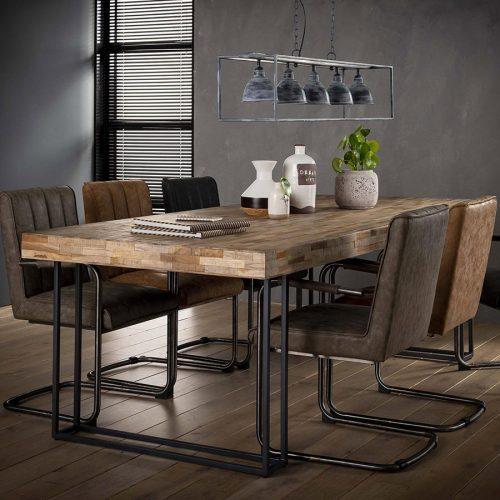 salle à manger industrielle - table et chaises industrielles